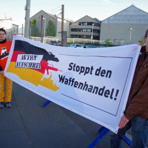 Transparent Stoppt den Waffenhandel! ktion Aufschrei