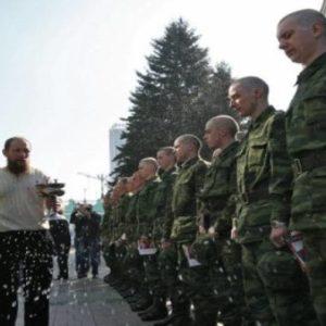 Zeremonie mit Russischen Soldaten